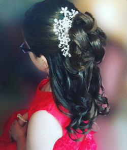 Flower girls hair. half up half down