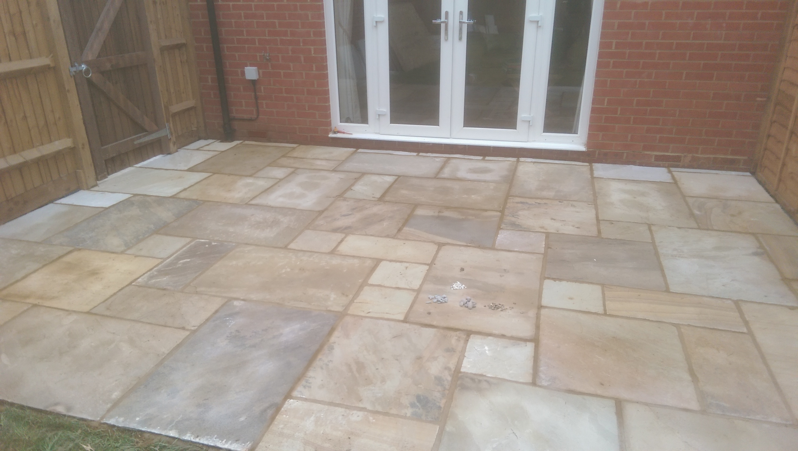 Patio in mint Fossil Sandstone