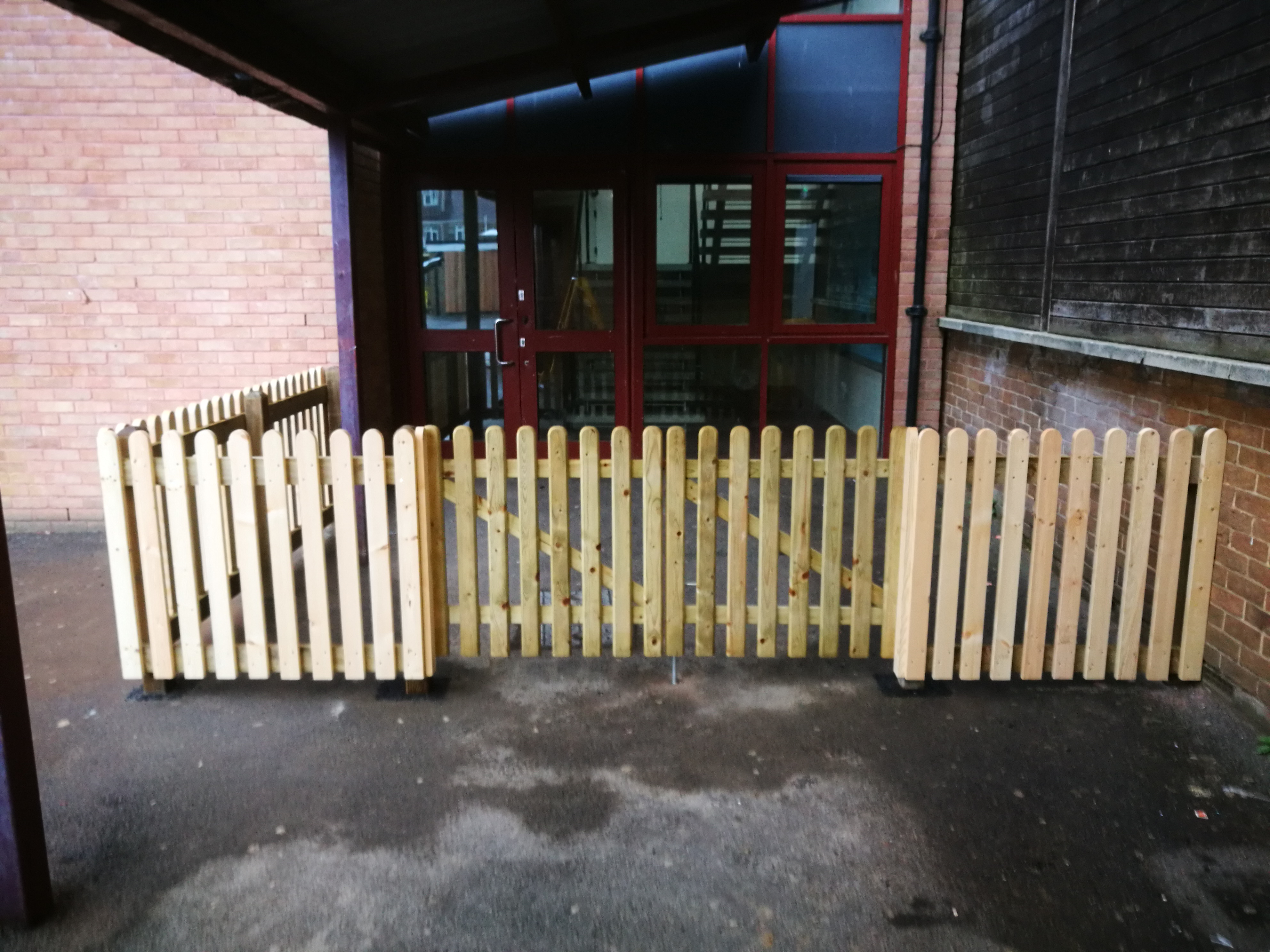 Fencing at Trafalgar school