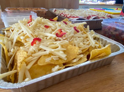 Nachos with chilli and cheese