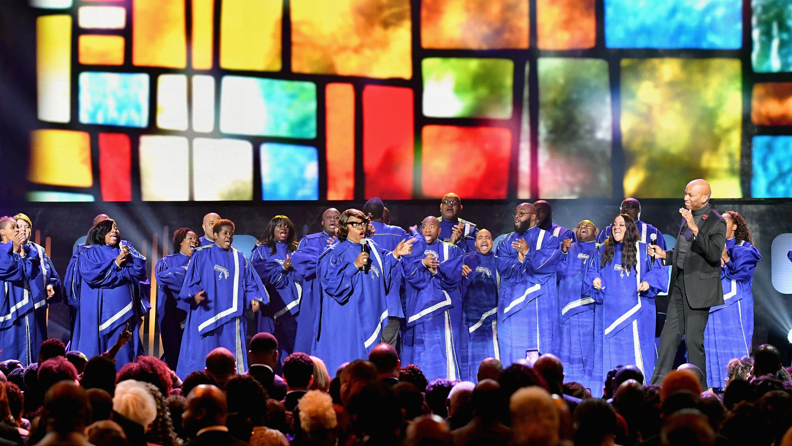 Chicago Mass Choir performs