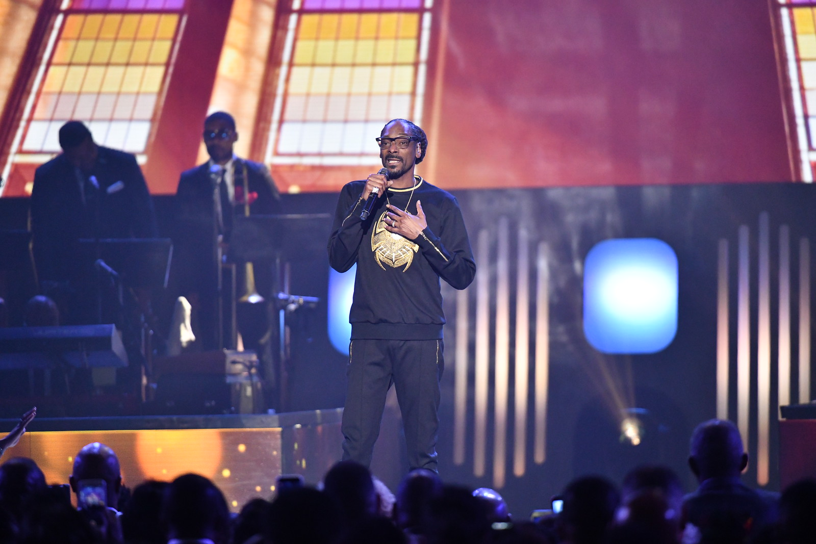 Snoop Dogg Stellar Awards performs 2018.