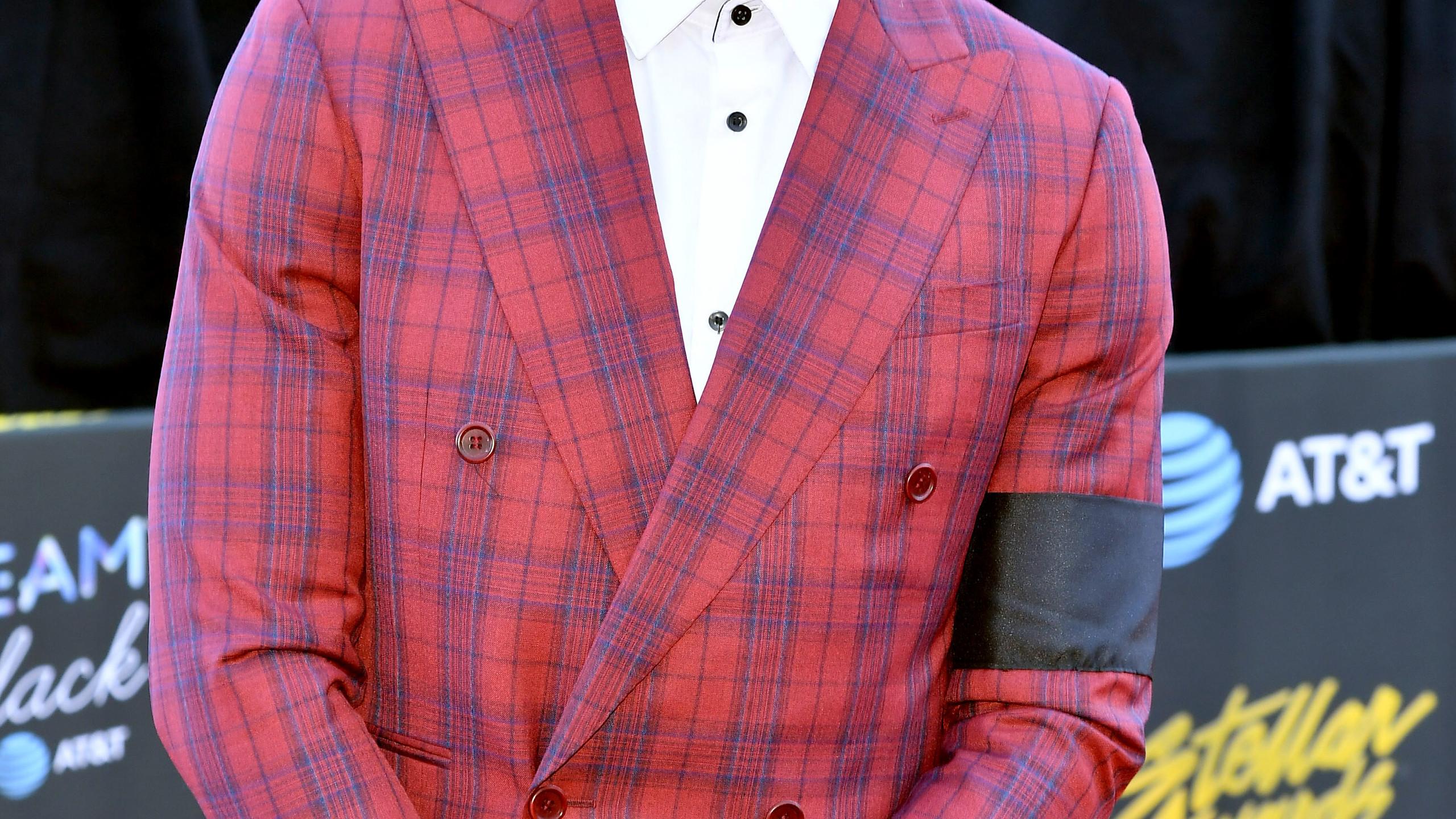 Jonathan McReynolds red carpet