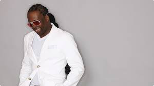 Let Me Transform You...                       Newark Fashion Designer Tamil Robinson