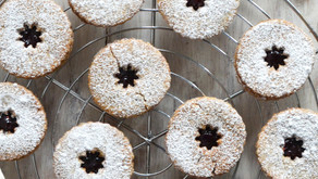Linzer cookies senza glutine con farina di riso, nocciole e grano saraceno