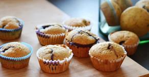 Muffins semi integrali ai mirtilli o gocce di cioccolato