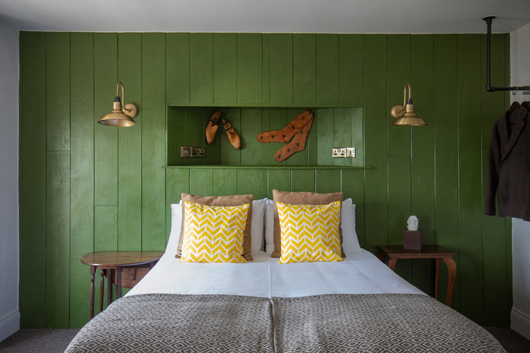 King Sized bed in the Exmoor Suite; this can also be turned into a twin beds!