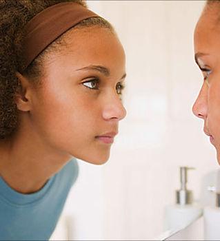 girl_talking_to_self_in_mirror-1024x695.