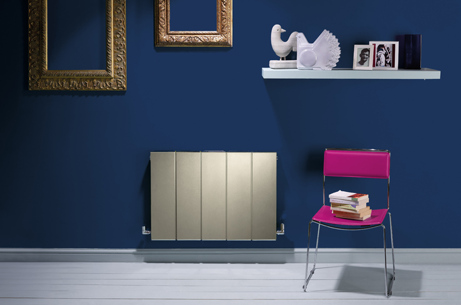 01-blok-radiator-in-champagne-finish-in-hallway