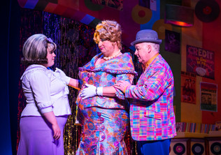 lizzie-bea-as-tracy-turnblad-michael-ball-as-edna-turnblad-and-les-dennis-as-wilbur-turnb
