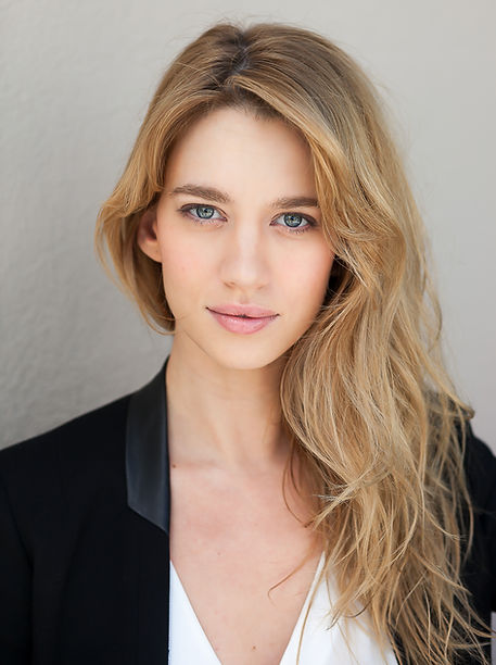 Yael Grobglas, French, Israeli actress