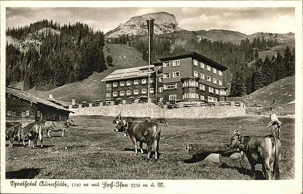 Auenalpe mit Auenhütte