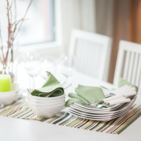 IMG_3543_ruokapöytä.jpg
