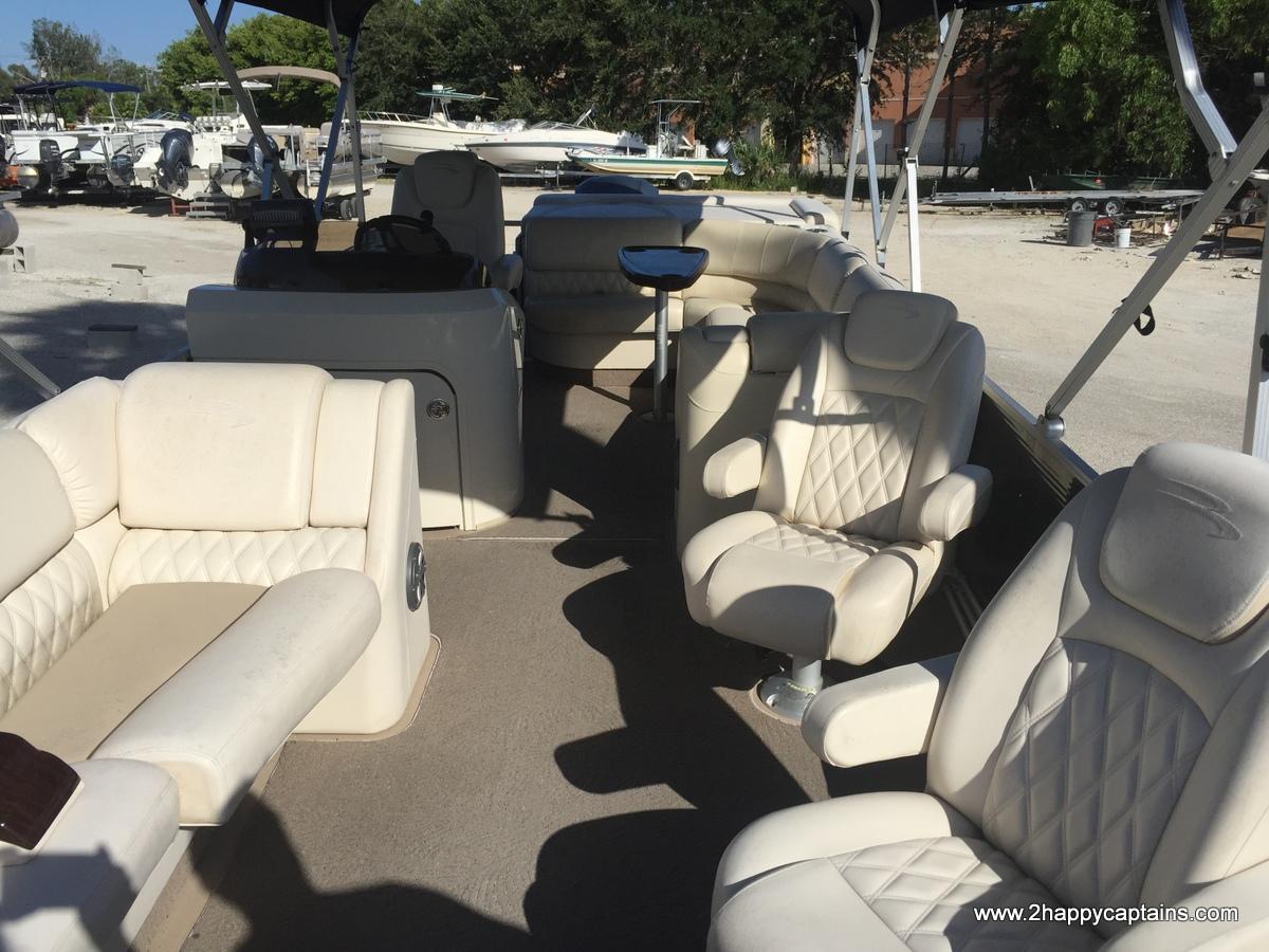luxury-pontoon-cruise-happy-captains (1)