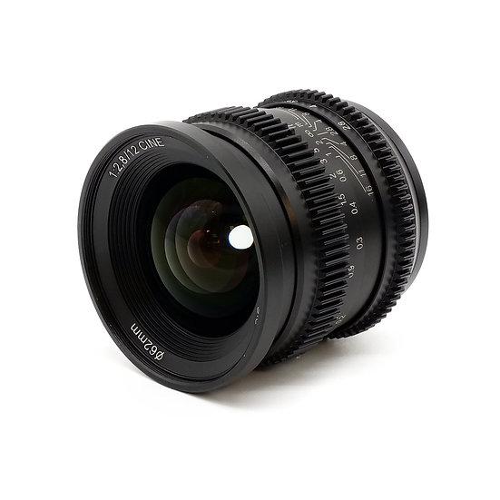 12mm F2.8 (APS-C)