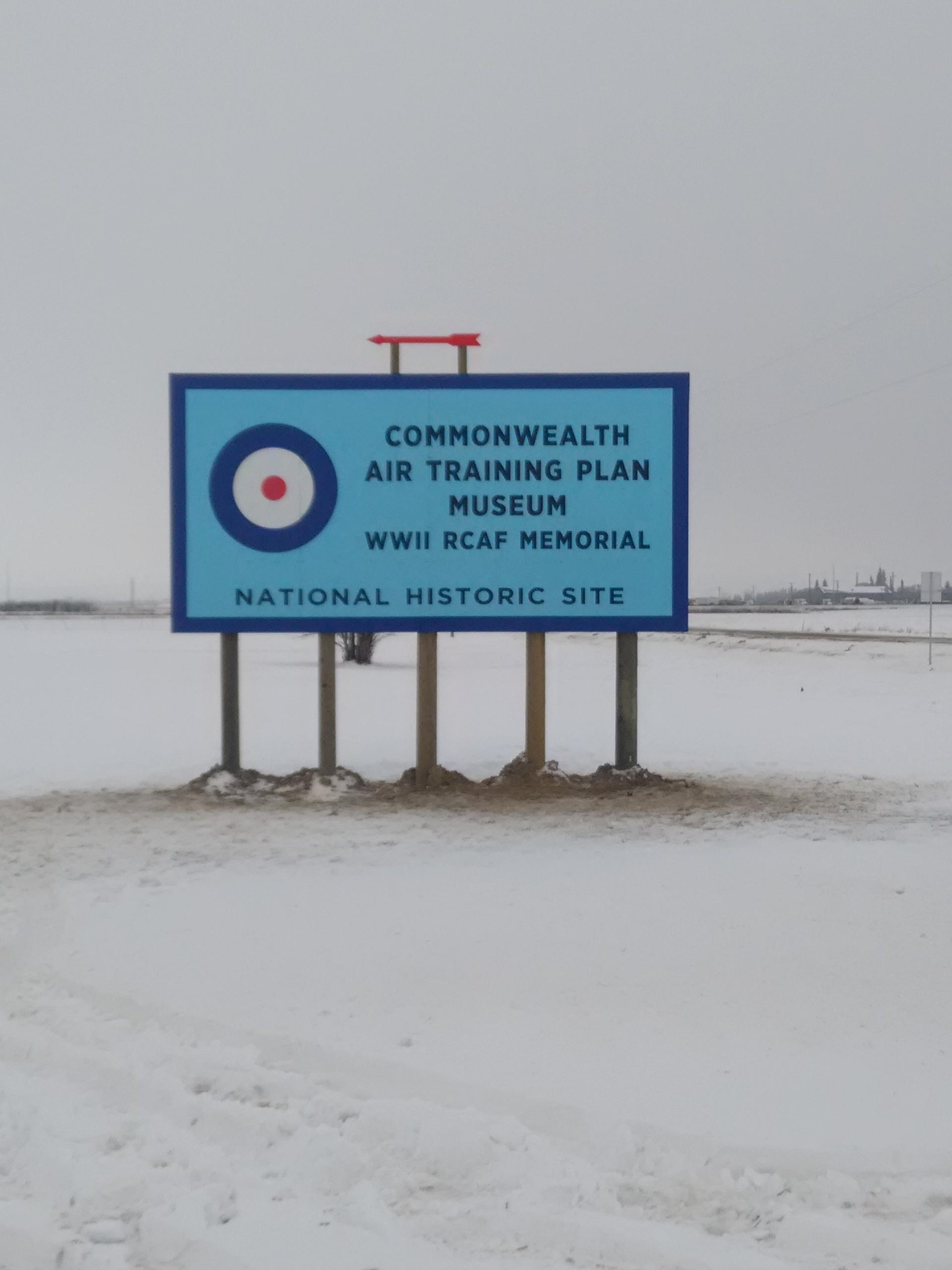 air museum hwy sign