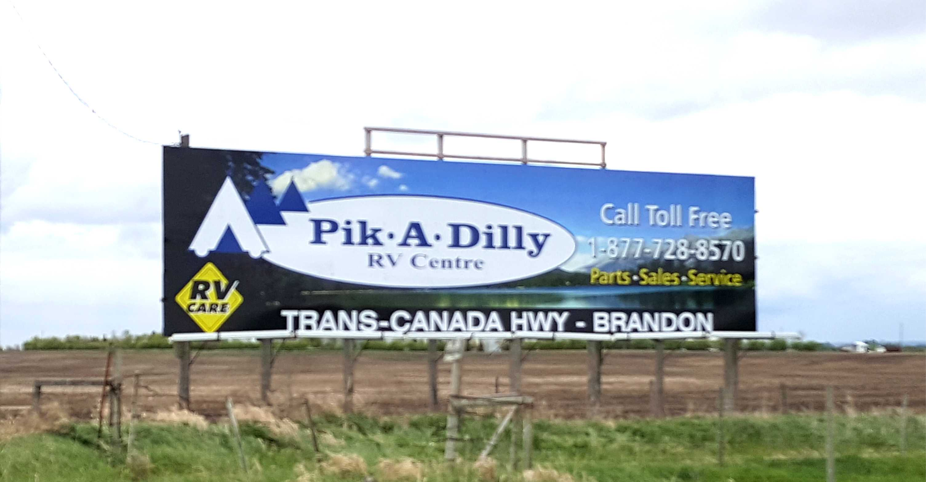 pik a dilly hwy sign