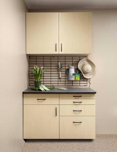 Maple Workbench-Ebony Counter-Gridwall-G