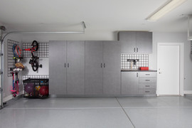Pewter Garage with Workbench-Gridwall-Ki