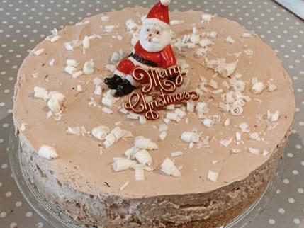Irish Cream Liqueur & Toblerone Cheesecake