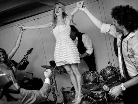 SOULSYSTEM ORCHESTRA LYRICS STRIKE A CHORD AT WEDDINGS