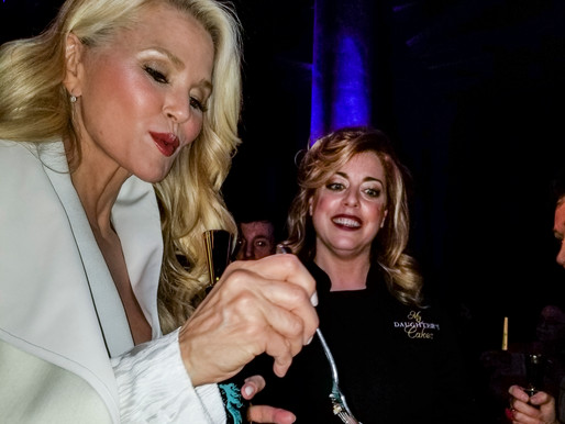 """Christie Brinkley & The Prosecco-Infused """"WEDDINGS"""" Cake"""