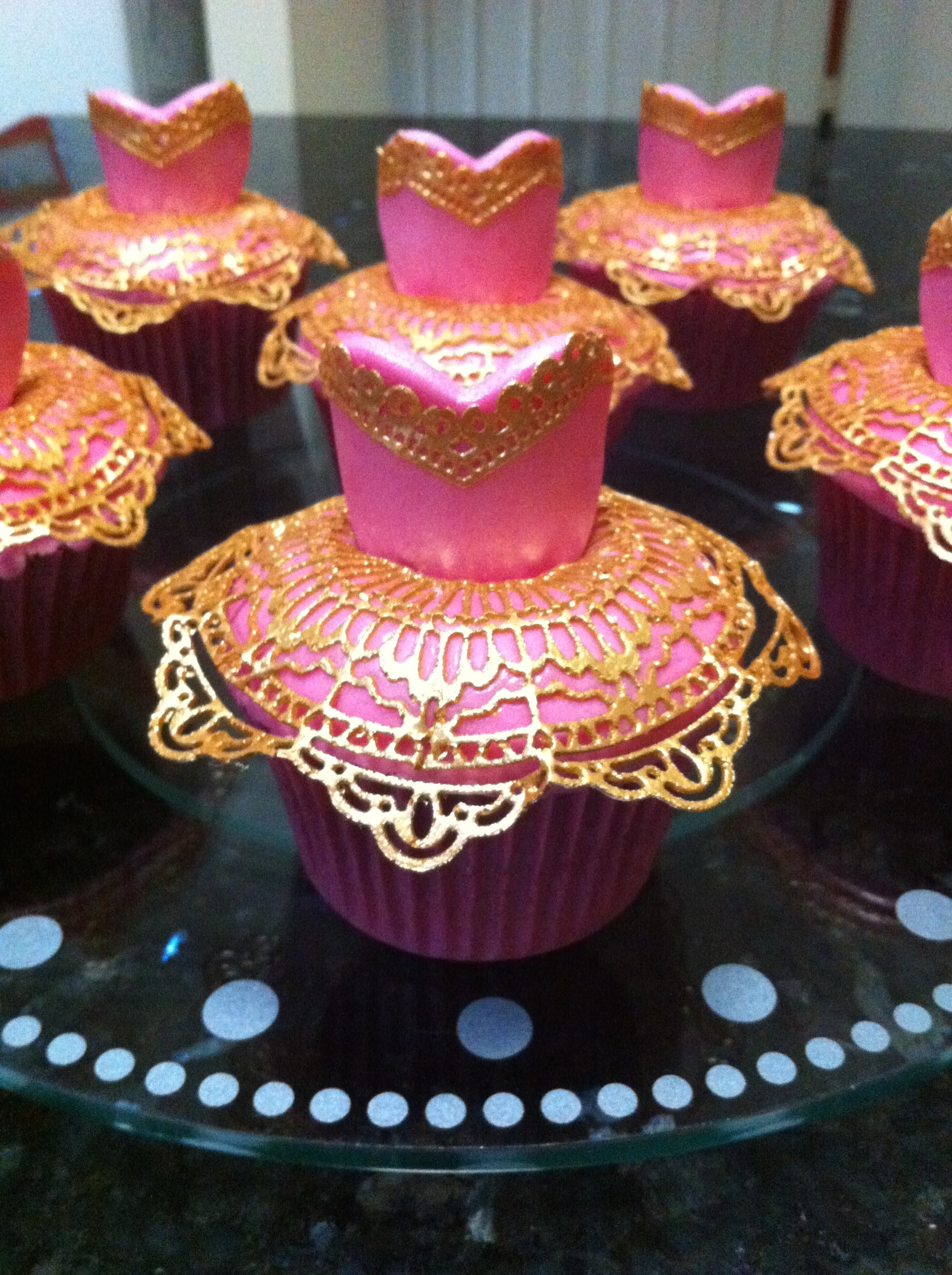 Edible Lace and Fondant Cup Cakes