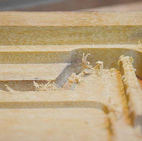 producao-carteira-de-madeira-minimalista