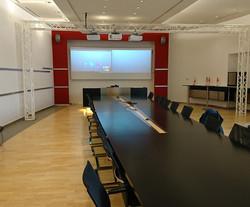 Raum mit Konferenztechnik Montage Heidenheim