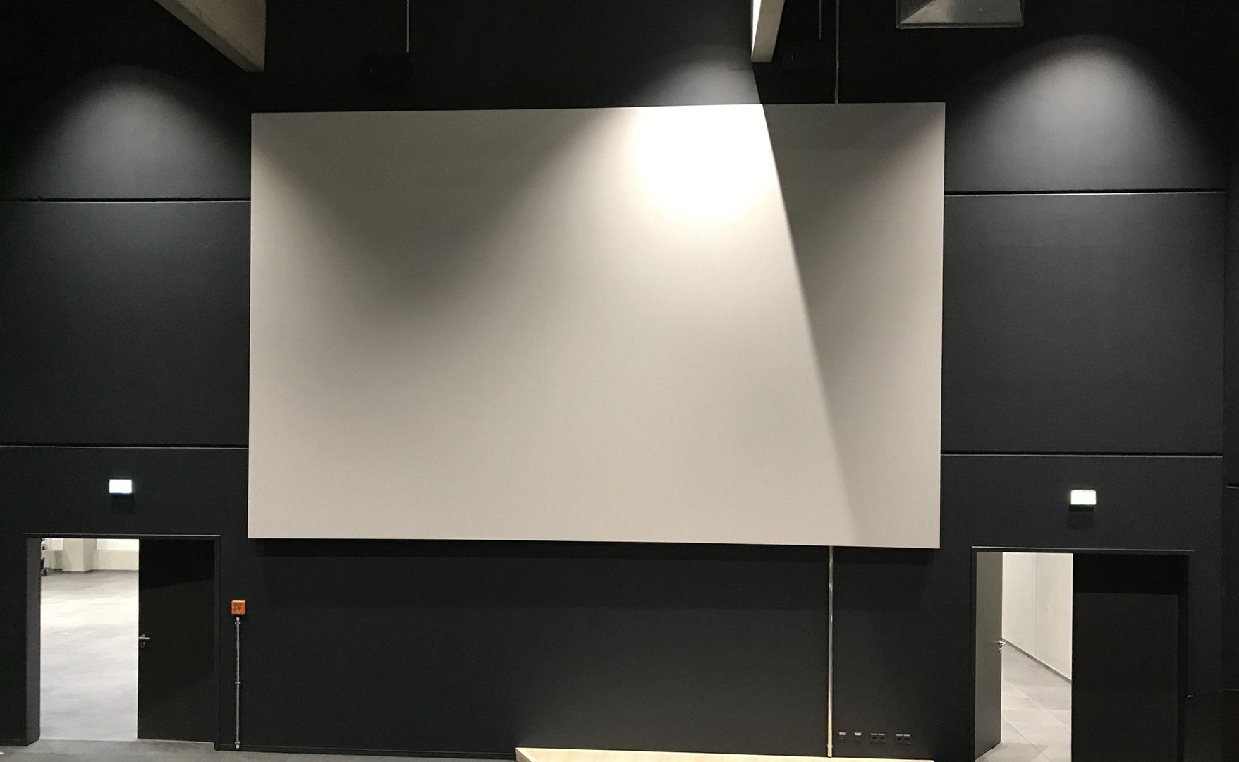 Unternehmens-Kino Leinwand