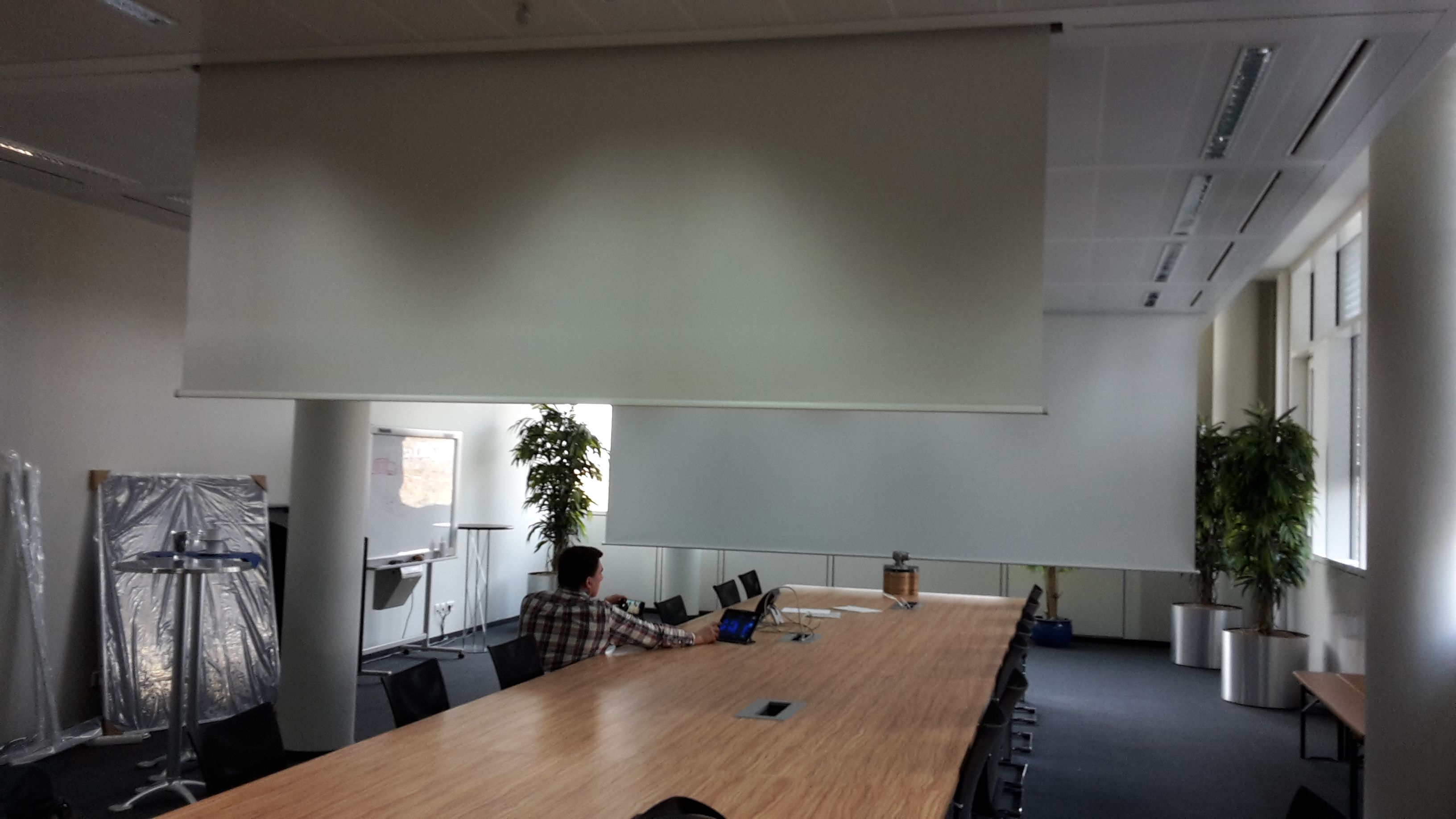 Doppelleinwand Konferenzraum Dillingen