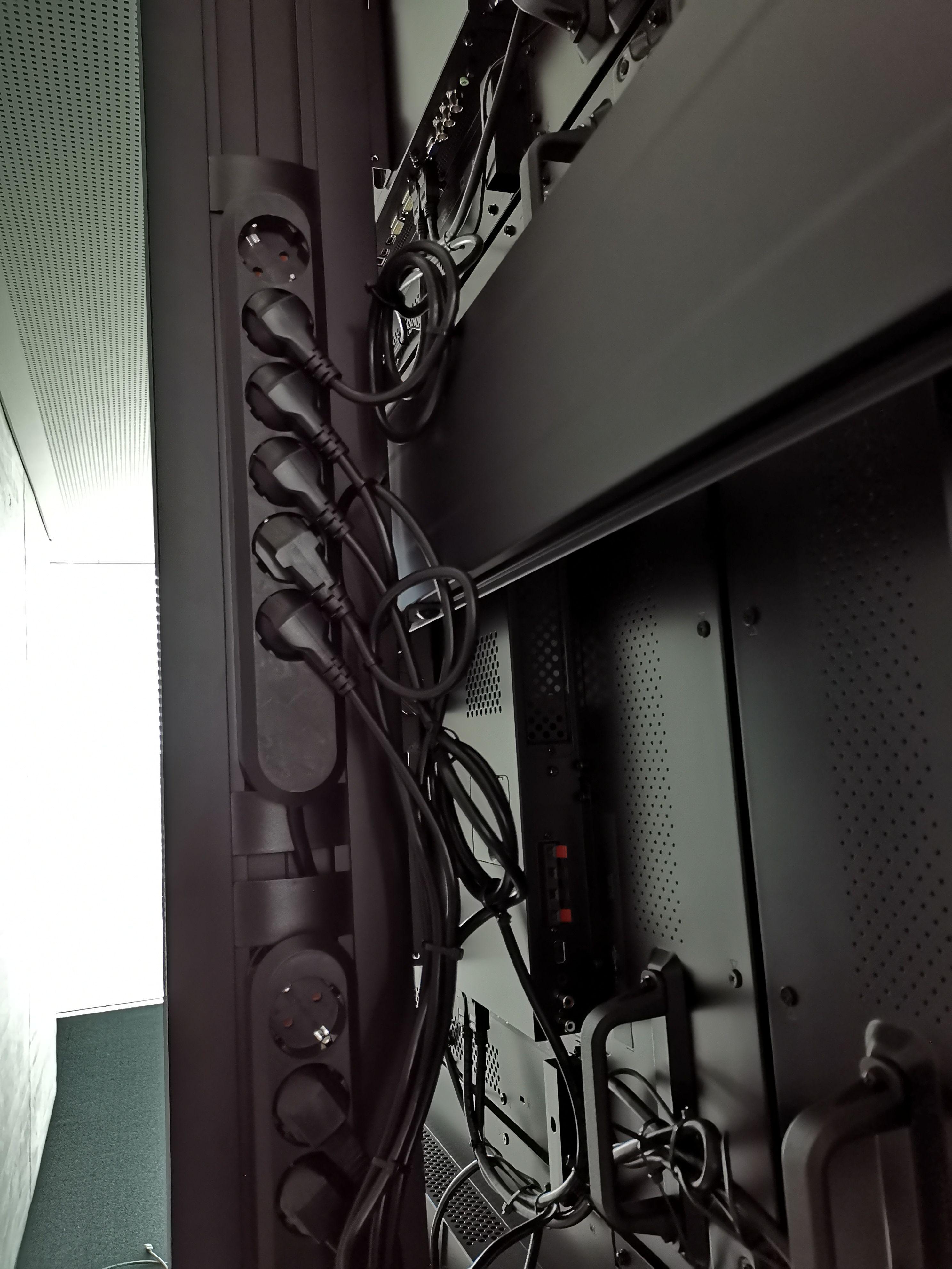 Verkabelung Videowall Burgau