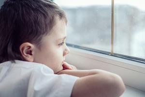 niños falta de estimulación y juego