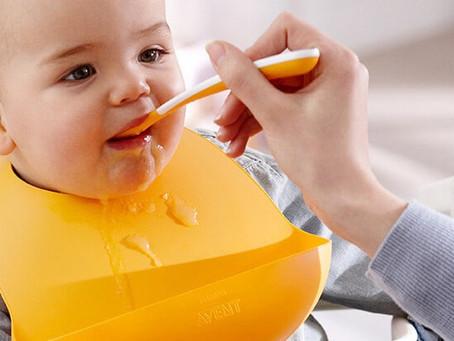 Comienzo de la alimentación complementaria: ¿Qué alimentos debe consumir un bebé de 6 meses?
