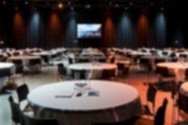 Artbox meeting cabaret 6 p per table.jpg