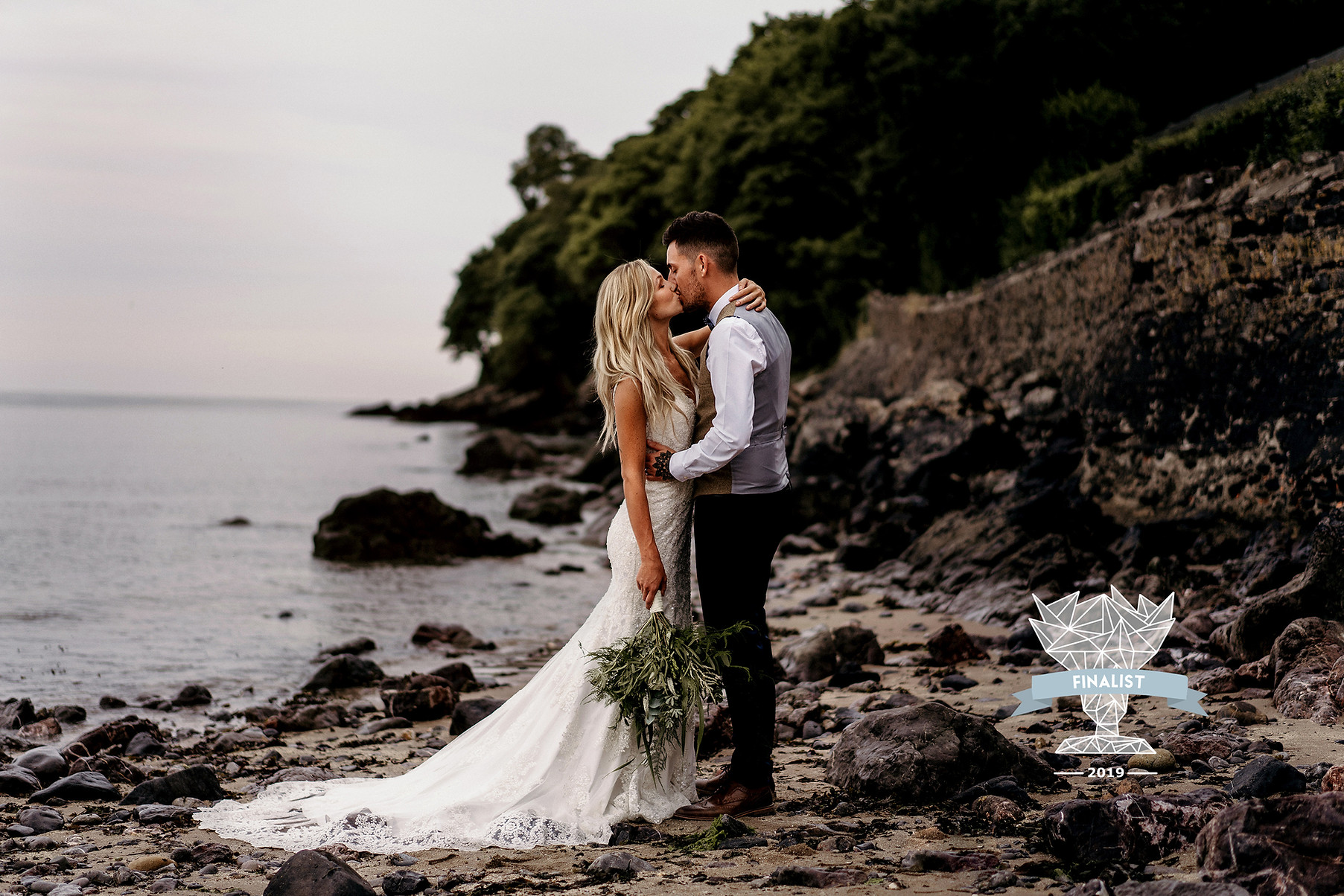Oxwich bay wedding couple