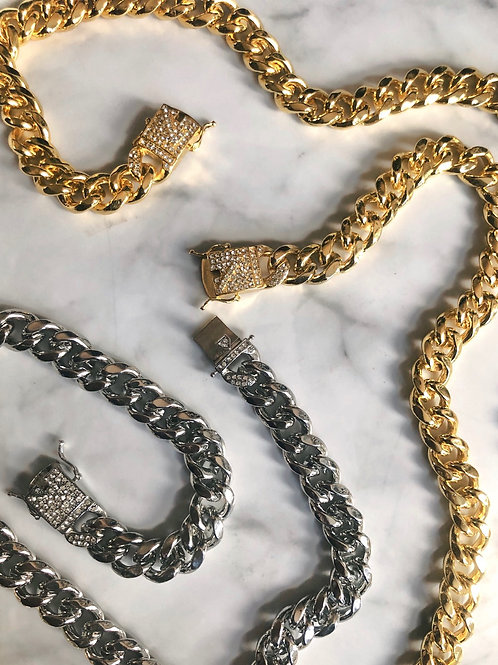 THE LUXE CHAIN
