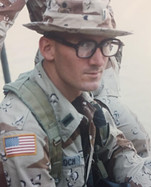1LT McCulloch in Iraq 1991.jpg