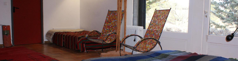 Une sculpture et deux sièges Sénégal