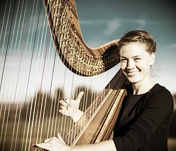 Helena Glockner mit Ihrer Harfe