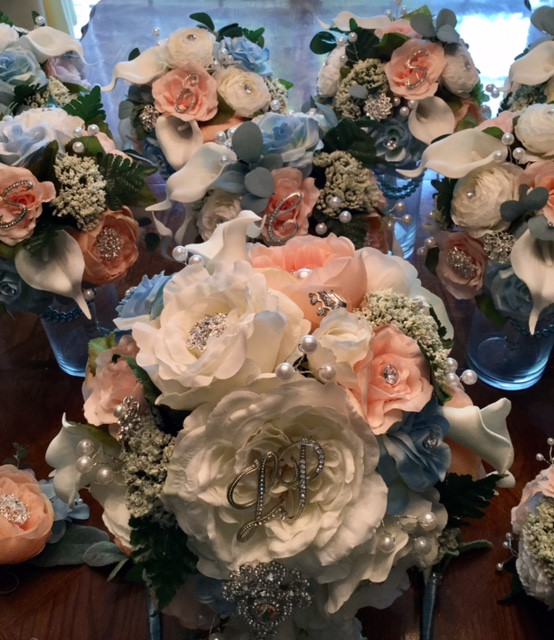 Coordinating Bridesmaids Brooch Bouquets