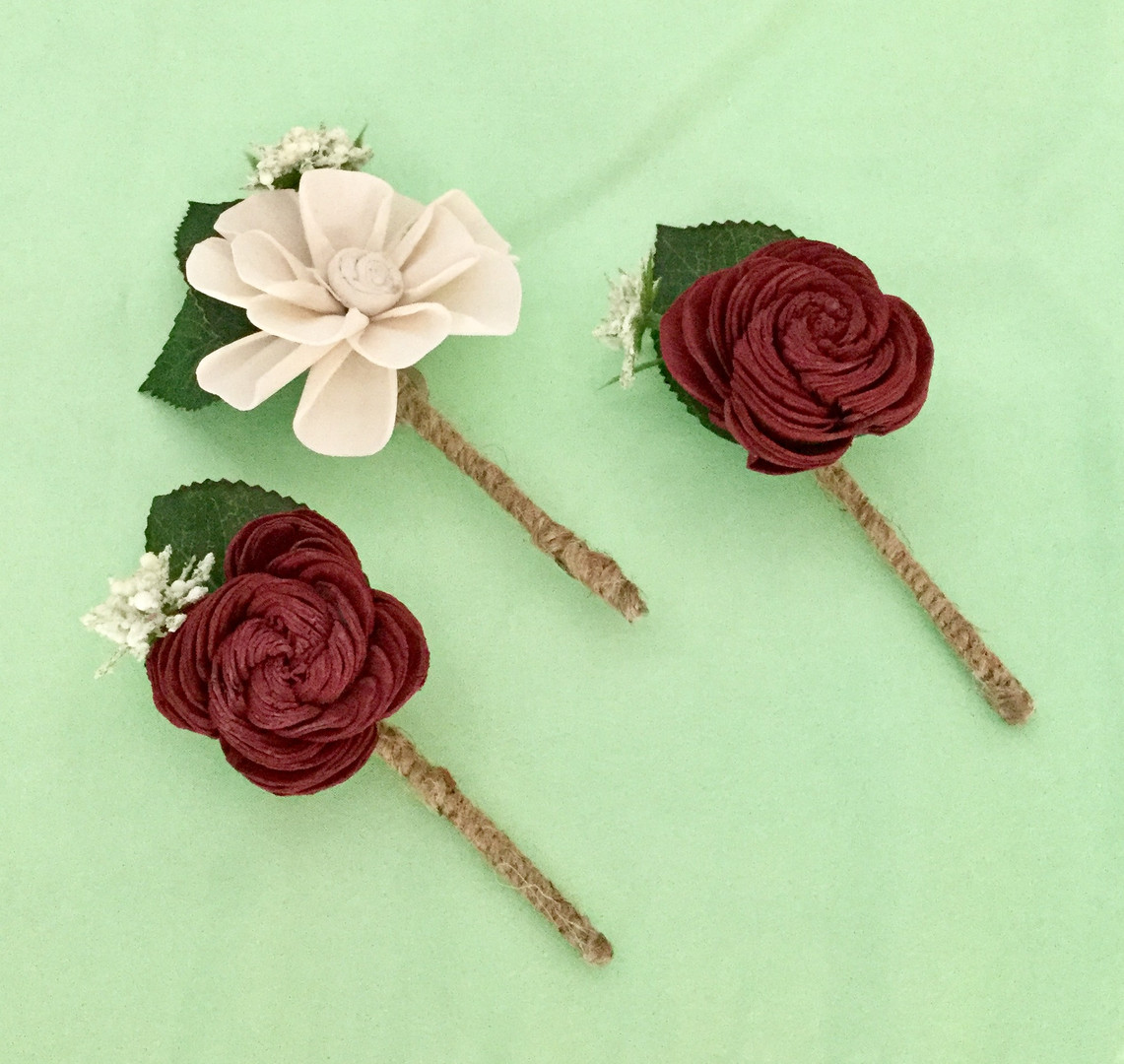 Sola Wood Flower Boutonnieres