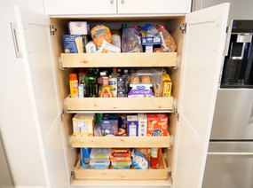 09. Sliding drawers in cabinets