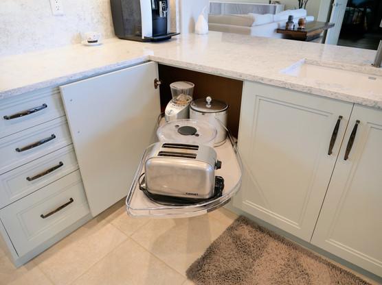 8. Kitchen on Caraway Lakes Dr., Bonita Springs