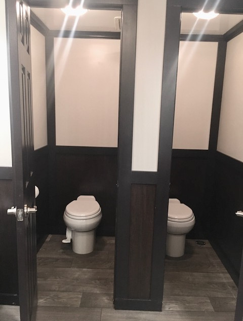 JAG Timeless 10 Station Restroom Trailer