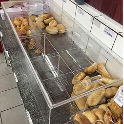 caixa de pão em acrílico