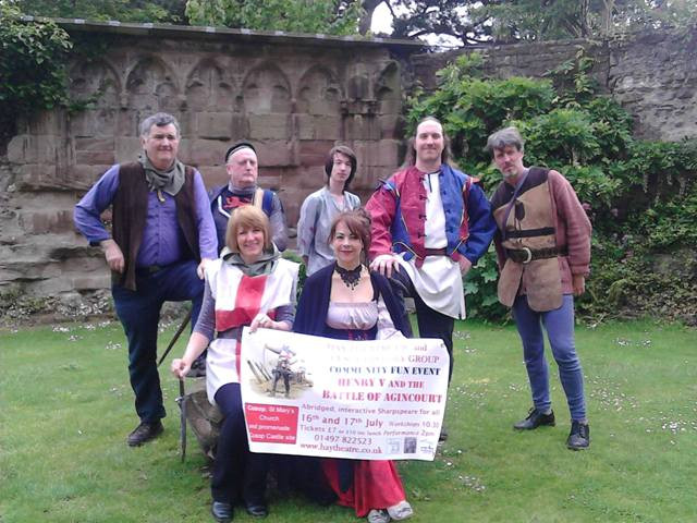 Hay Theatre Company wandering minstrels in Hereford Cathedral publicising Henry V on 16th and 17th July in Cusop