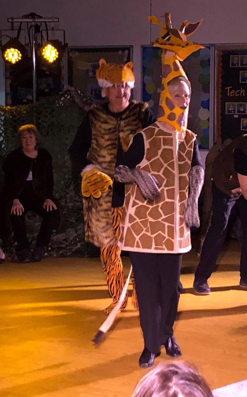 Tiger and giraffe 2.jpg