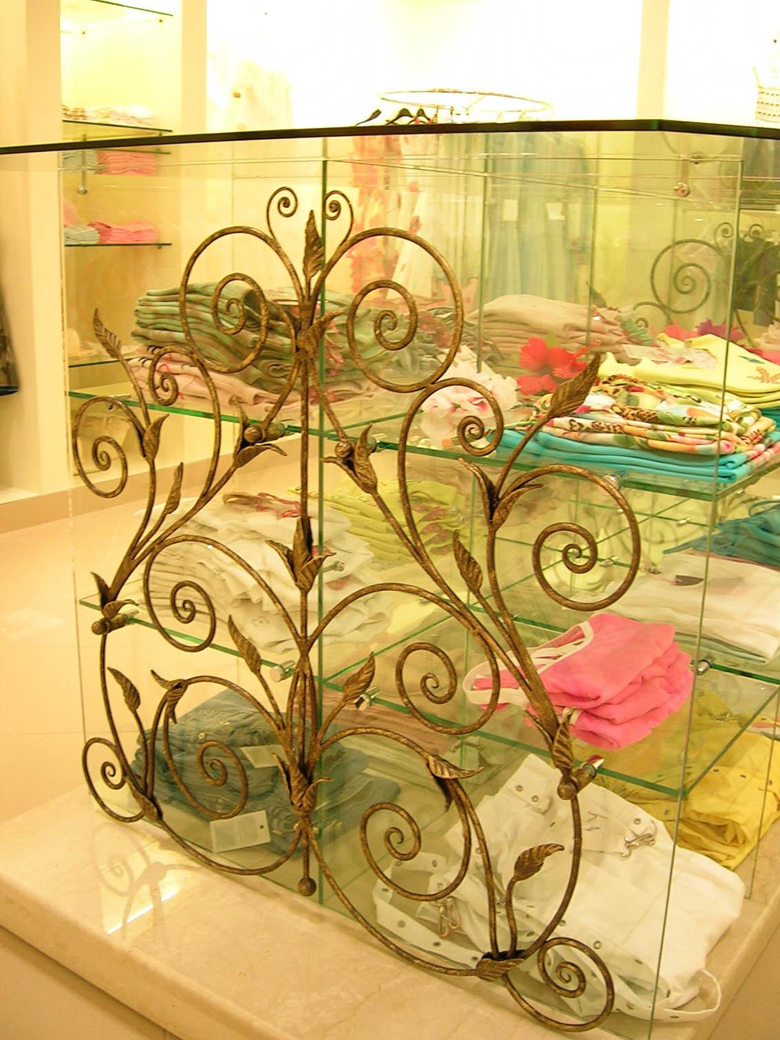 Декоративная деталь 2006 год .