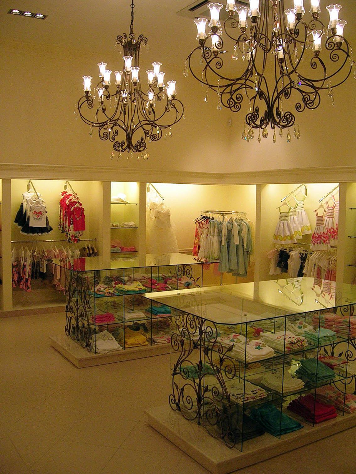 Декоративные кованные детали для магазина детской одежды Даниель 2006год.